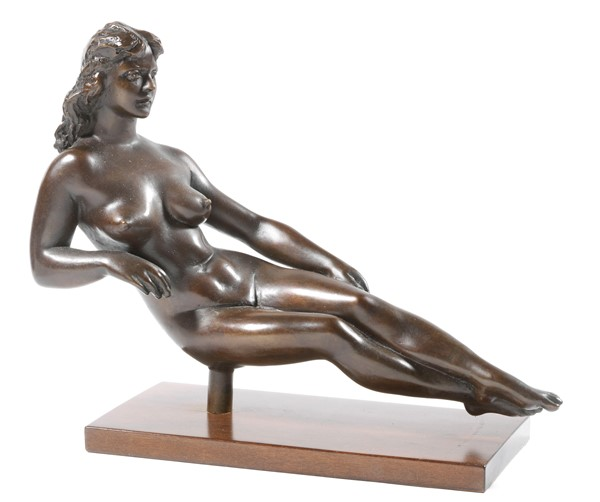 Francesco Messina : Flora  (1984)  - Scultura in bronzo a patina marrone, multiplo, es. 3/75 - Auction N.190  - I, CONTEMPORARY ART - Casa d'aste Farsettiarte